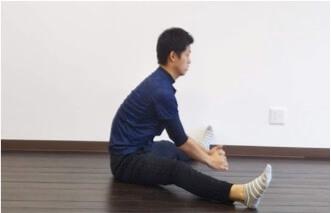 昔ながらに行われている柔軟体操