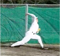 球速アップに欠かせないリリース直前の腕のしなり