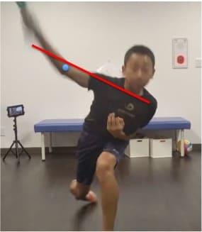 リリースポイントでの肘下がりのチェック方法