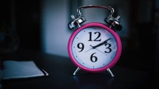 アスリートに必要な睡眠時間はどのくらい?休養も大切な練習!