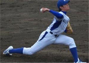 しなりが大きいほど球速が速くなりやすいのですが、このしなり動作は腕だけでなく、股関節・体幹・肩甲骨など全身の動作によるものです。  骨盤が前傾している選手ではこの全身のしなりを自然に作りやすくなります。